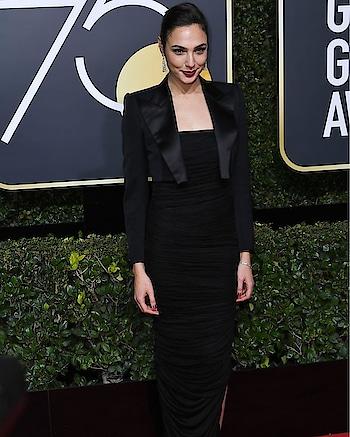 Wonder Woman star Gal Gadot at Golden Globe Awards last night. #whywewearblack #redcarpet #international #celebrityfashion #hollywood