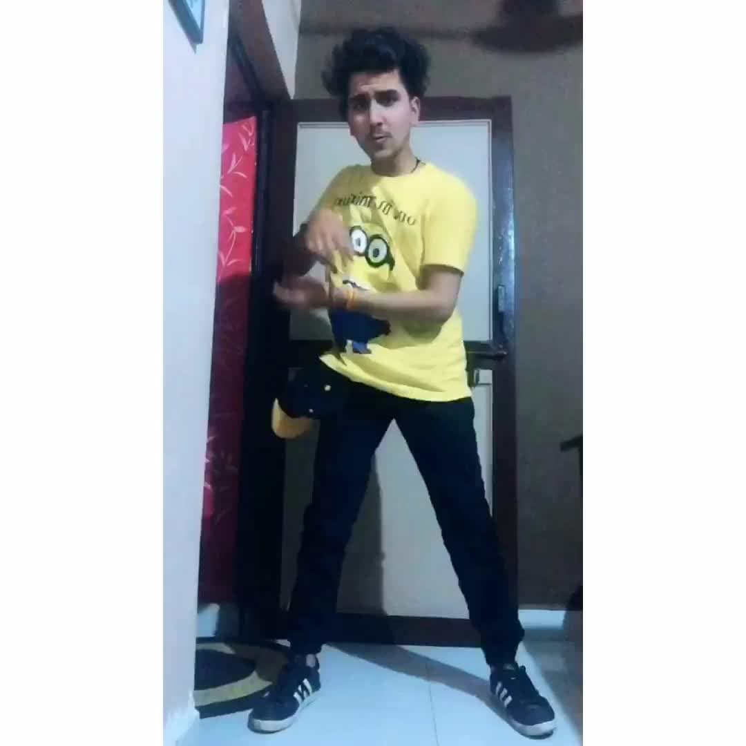 #dildiyagallan#dance#danceindia#musically#muser#featurethis#featureme#dance#best#musically#squada😅#rome