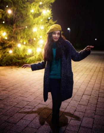 Some Fun Times!  #cap #yellowcap #winter #winter-style #wimensfashion #sweater #pullover #pullovers #coffeebreak