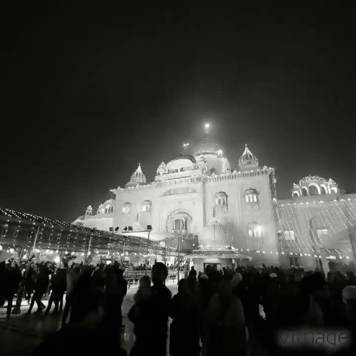 #happylohri #lohri #indianfestivals #v30 #phonephotography #mobilephotography #soroposodaily #gurdwara #banglasaheb