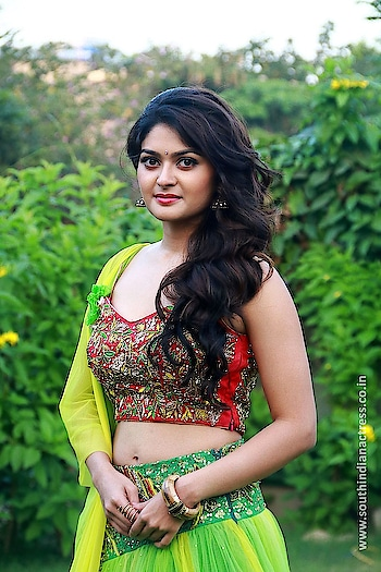 Vaibhavi Shandilya at Iruttu Araiyil Murattu Kuthu 2nd Single Launch Press Meet Stills http://www.southindianactress.co.in/featured/vaibhavi-shandilya-iruttu-araiyil-murattu-kuthu-2nd-single-launch-press-meet-stills/  #vaibhavishandilya #southindianactress #tamilactress #kollywood #kollywoodactress #indianactress #lehenga #lehengacholi #hot #hotdress #hotindianactress #actressdress #actressfashion #southindianfashion #fashion #style
