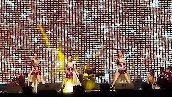 sara zamana perform dubai san't merry church #dubai  #dance  #bollywood  #dancegroup #dxb