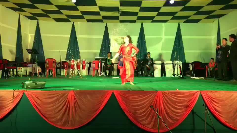 "YOUTUBE - https://youtu.be/526EikVUEx0  Once again with ""GHOOMER"" ... presenting in traditionally ... Thank You ""BHAIRABKUNDA FESTIVAL"" - #2018 #assam #bhairabkunda #song #ghoomer #love #dance #dancer #ps #pro #proneeta #proneetaswargiary"