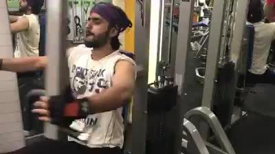 #RockStarAamanTrikha  @AamanTrikha's Bajne De Dhadak Dhadak !  Songspiration 1st set #warmup  --- what say @RanveerOfficial bro 🎬✊️ #fitness  #AamanTrikha . . . . 💪 #fitnessmotivations  #fitnessaddict  #fitnessjourney  #fitnesslifestyle #MusicTaughtMe #musicallylove
