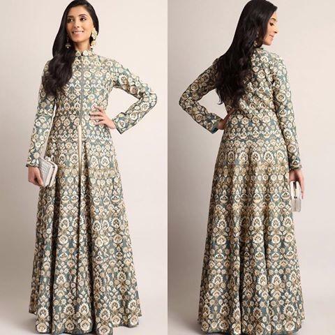 Classic Grey Embroidered Indowestern  #sundayfunday #iamanindian #letsnacho #celebration #jhakkas #bollywood #bindaas #queen #ootd #like #roposo #roposolove #roposo-style #telugu #hahatv #beats #soroposo #followme #newdp #ropo-love #marathi #love #hellojanuary #roposogal #soulfulquotes #mylifemychoice #tamil #fashionblogger #ilovewinters #roposostar #fleaffair #indowestern #style #fashionista #design #trends