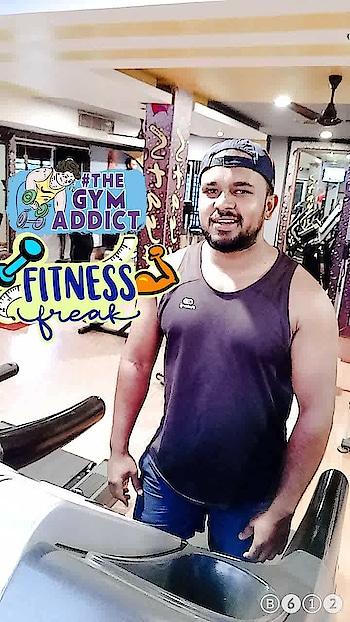 #gymlife #bodybuilding #warmup #running #be-fashionable #fashion #men-fashion #bearded-men #ropo-style #meninroposo #bicepsworkout #biceps #fitnessfreak #thegymaddict