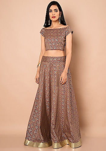 Shop jaw-dropping styles to get all the heads turning! SHOP Maxi Skirt - https://goo.gl/SSLxvQ  Old Rose Foil Gold Border Silk Maxi Skirt ₹ 3200  @fab_alley   #faballey #women-clothing #roposo #fashion-addict #loveyourself #beauty #styles #love #followme #like #fashion #trending #fashionblogger #be-fashionable #designer #bindas #Welcome2018 #Western #Maxi-Skirt #Skirt #new #newarrivals #newin #newfashion   #instafashion #instalove #roposofashion #indian