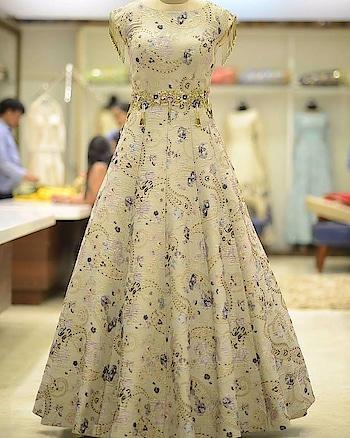 #samyakk #samyakkdesign #gowns #gown #gowndress #eveningdress #eveninggown #shaadisaga #bride #wedmegood #asianwedding #bridalstyle #swag #bridalfashion #ethnic #ethnicwear #fashion #fashionblogger #weddinggown #fashiondesigner #pinkvilla #indiacouture #samyakkclothing #bespoke #worldwide #houtecouture #ootd #weddingblog#fashiondesigner #bridesmaids #worldwide #bespoke #ootd