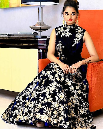 #samyakk #samyakkdesign #gowns #gown #gowndress #eveningdress #eveninggown #shaadisaga #bride #wedmegood #asianwedding #bridalstyle #swag #bridalfashion #ethnic #ethnicwear #fashion #fashionblogger #weddinggown #fashiondesigner #pinkvilla #indiacouture #samyakkclothing #bespoke #worldwide #houtecouture #ootd #weddingblog