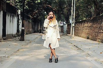 New post Alert! Here's our new lookbook post on blog now (www.fashionbyruda.com/christmas-gift-nude-trench-printed-bag). The trench coat in wearing here is my current favorite piece in my closet now. You can buy it here: http://bit.ly/2n1oaMZ . #fashionbyruda #fashionblogger #IndianFashionBlogger #beautybloggers #pictureoftheday #photooftheday #delhigram #beauty #fashionbyruda #fashionblogger #rudaonthego #rudadiaries #picoftheday #pictureoftheday #outfitoftheday #lookbook #lookoftheday #IndianFashionBlogger #outfitoftheday #fashion #fashiongram #style #fashiondiaries #blogpost #lookpost