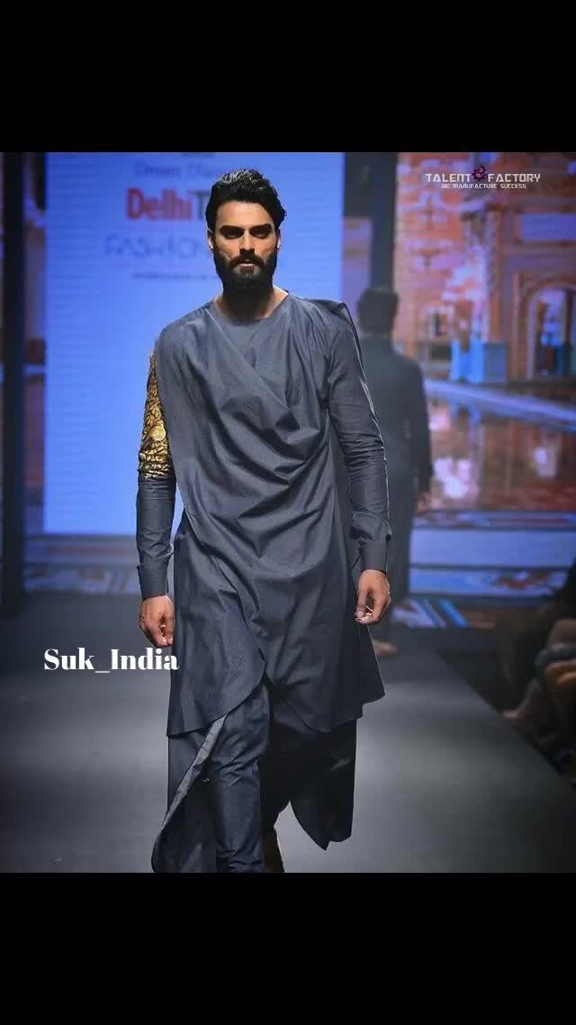 Every next level of your life will demand a different you. 😈 Wear artistic drapes with essence of 24 carat gold, #wearSUK BY #suvigyaandkalash . For orders : DM or Mail us.  #suk #fashionist #fashionweek #delhitimesfashionweek #delhitimes #timesfashionweek #love #class #designer #fashion #grace #hues #art #artist #24caratgold #handpaint #dtfw #drapes #couture #haute #pret #designerclothing #instaart #dappermen #dapperday #dapper #menswear #men #fashionist