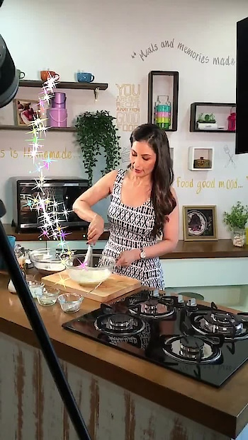 Whisk and Whisk Those Worries Away... Bake This World a Better Place 💋💋💋 Love M. #ChefMeghna #whisk #cake #Bake #cakes #cakedecorating #cakeboss #bakersfield #bakery #tuesday #tuesdaythoughts #motivate