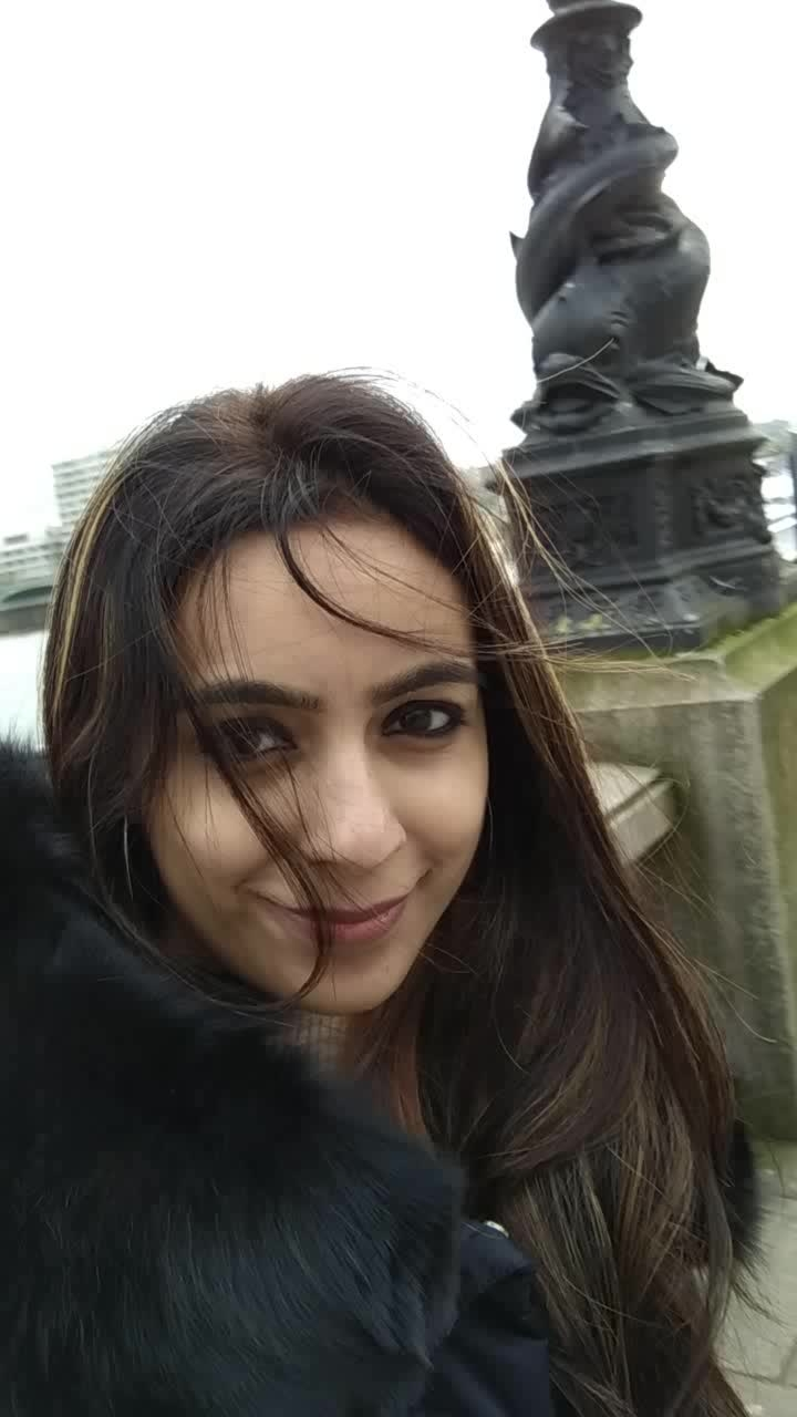 London Eye Video !!!  #london #londondiaries #uktrip #travel-diaries #video #travelvideo #musafirchannel