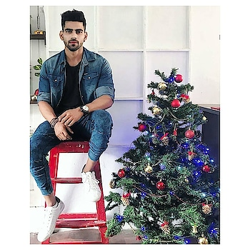 I know the festive season is over but fashion trends will stay 😍😍.||CREDIT-Indianhighfashionmen  #highfashion #highfashionmen #highfashionmodel #fashion #fashionblogger #streetfashion #fashionoftheday #mensfashion #fashionformen #fashionist #fashionlove #fashionstatement #fashionkilla #instafashion #mensfashion