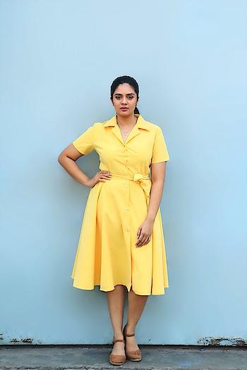 SreeMukhi in yellow #sreemukhi #southindianactress #teluguactress #tollywoodactress #indianactress #yellow #yellowdress #yellowlove #yellowing #fashion #style #actressfashion #actressstyle #actressdress