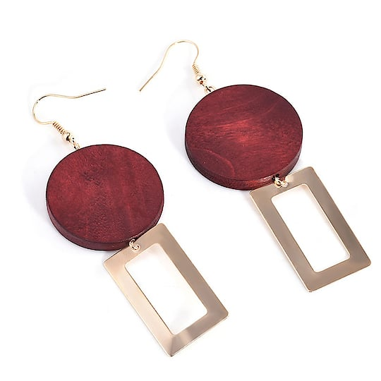 Red Wood Golden Drop Women Earring 😍😍💝💝 Buy: https://buff.ly/2G9axm9 #earrings #earringsswag #earringshop #earringsoftheday #earringsforsale #earringslover #earringsfashion #earringstuds #earringscrystal #earringspearl #ladiesearrings #womenearrings #fashioncrab