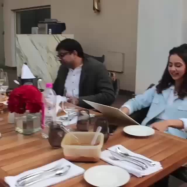 The #Aiyaary Team has lunch in Delhi.... #teamgoals #foodgoals #foodies #RakulPreet  Video Creds: Viral Bhayani