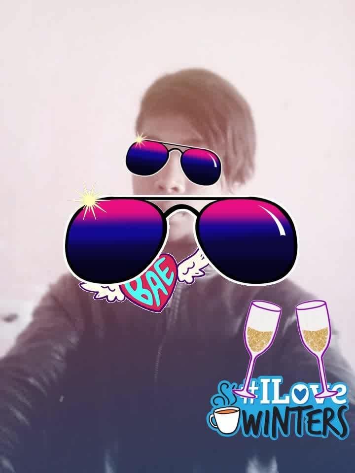 wetwap😁sah...😜sobalie goath.   monan.    👈ko biii...📱🎸 #bae #cheers #sunglasses #sunglasses #ilovewinters