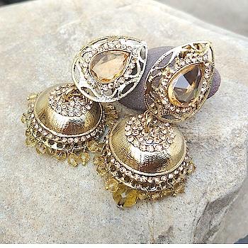 Golden Color Jhumka for Women 😍😍😍😍 #earrings #earringsswag #earringshop #earringsoftheday #earringsforsale  #earringslover #earringsfashion #earringstuds #earringscrystal #earringspearl  #ladiesearrings #womenearrings #fashioncrab #jhumka #golden