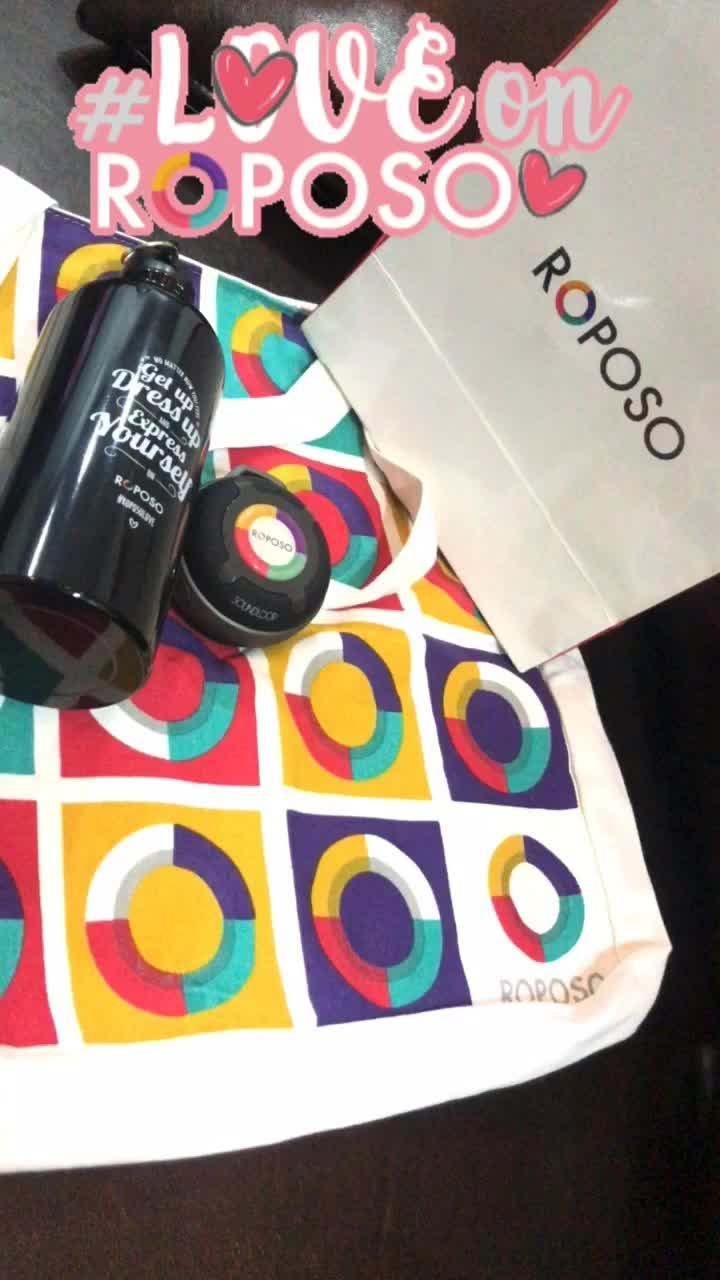 So happy to receive this cool stuffs☺️👻🤗 from @roposolove #goodies #roposo #roposolove  I am loving  here 💃🏼 what about  you? #loveonroposo