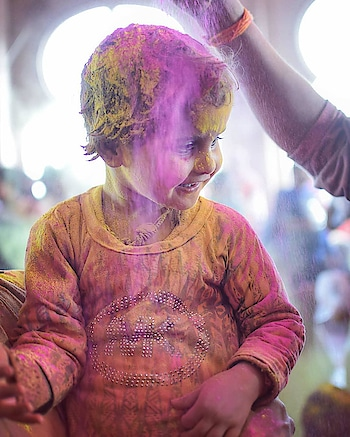 A festival as beautiful and colorful as his smile :) #festivalofcolors #festivaloflove #holifestival #holi2018 Source credits: mak_instagraphy