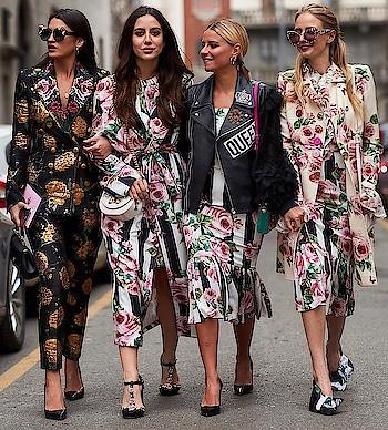 Street Style look from Milan Fashion week 2018. #mfw #mfw2018 #milanfashionweek #floral #stripes #printonprint #streetstyle #streetfashion