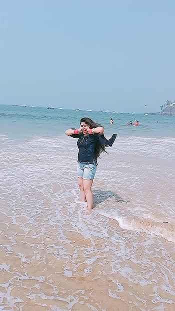 heehhe#sea #roaming #roposo #ropsofashion #musafirchannel #love-photography #itikarahulsaini
