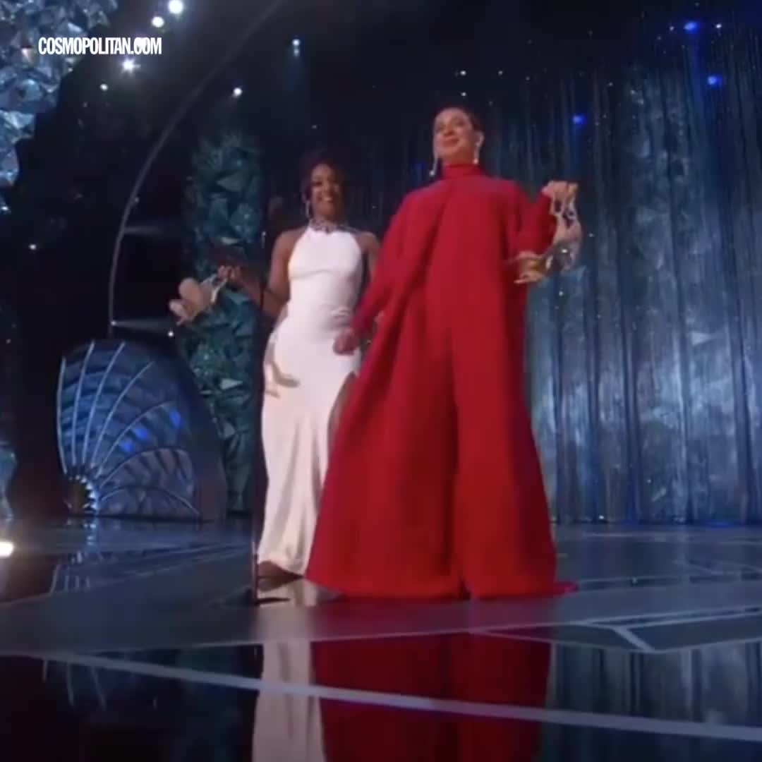 The Oscars were SO funny this year — wait until you see Jennifer Lawrence shade Meryl Streep  #oscars2018 #oscarsawards #awardnight #international #haha #filmistan