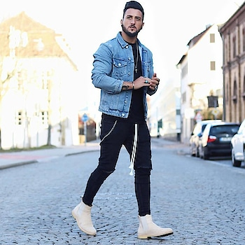 Perfect streetstyle look.||Credit-streetstyle.men||#ootd #fashion #menswear #menwithstreetwear #style #streetstyle #streetwear #streetfashion #outfit #trend #photooftheday #styleoftheday #stylegram #mensfashion #menstyle #mensstyle #ootdmen