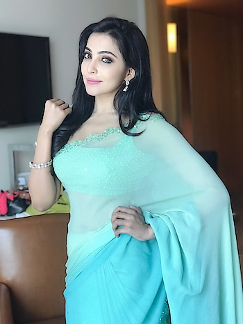 Parvatii Nair #parvatiinair #southindianactress #teluguactress #tollywood #tollywoodactress #saree #seethrough #seethroughsaree #satinsaree #blue #bluedress #bluesaree #skybluesaree #skyblue #indiansaree #girlinsaree #actressinsaree #indianfashion #indianstyle #indiandress