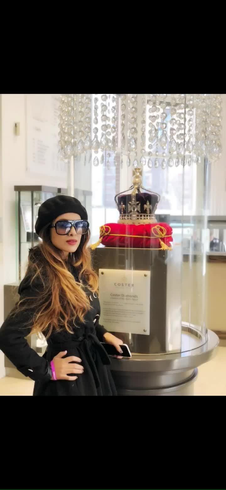 "Amsterdam has been known worldwide in the past 4 hundred years as the 'City of Diamonds'. The ""brilliant"" cut which originates as an Amsterdam diamond cut  💎   : #diamondmuseum #amsterdam #costerdiamonds #netherlands #costerdiamondsamsterdam #exploring #amsterdamcity #citytour #travelblogger   #amsterdamwithnehamalik #europetripwithnehamalik #nehamalik #model #actor #diva #blogger"