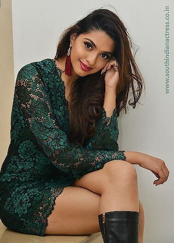 Mannat Singh #mannatsingh #southindianmodel #model #indianmodel #indiangirl #southindianactress #modelphotography #modelphotoshoot #modelpose #shordress #partywear #party #partyfashion #partystyle #green #hotdress #hotgirl #indianactress #cutegirl #fashion #style