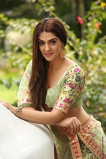 Sakshi Chowdary hot stills in half saree at Oollo Pelliki Kukkala Hadavidi Movie Audio Launch http://www.southindianactress.co.in/telugu-actress/sakshi-choudhary/sakshi-chowdary-oollo-pelliki-kukkala-hadavidi/  #sakshichowdary #southindianactress #teluguactress #tollywood #tollywoodactress #indianactress #indianmodel #indiangirl #indianfashion #indianstyle #indiandress #halfsaree #saree #seethrough #southindianfashion #southindianstyle #southindiandress #embroidered #fashion #style #traditionalstyle