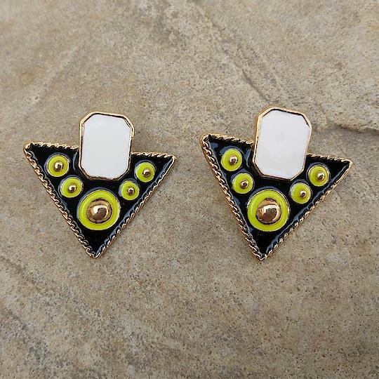 Multicolor Black White Stud Earring 😘😘😘 #earrings #earringsswag #earringshop #earringsoftheday #earringsforsale #earringslover #earringsfashion #earringstuds #studs #studearrings #studearring #fashioncrab Buy: https://buff.ly/2Fr2g0G