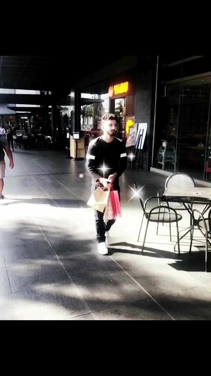 🏙 always walk in a way as if you're wearing an invisible crown #itsyou . . . . @calvinklein @bershkacollection @hair_bello @londonbeardcompany . . . . . . . . . . . . . . . . . . @calvinkleinbrasil @calvinklein_irk @calvinkleingirls @onlinecalvinklein @calvinklein_eu @bershka.ph @lamodels @lamodelsnewfaces @lamodelsrunway @elitemodellook @modelwerk  #calvinklein #calvinkleintshirt #calvinkleinjeans #bershkatshirt #bershkastyle #calvinkleinph #calvinkleinmodel #bershkatshirt #bershkaph #bershkamodel #hairbello #londonbeardcompany #men #mensfashion #blogger #bloggerstyle #fashion #fashionblogger #travel #travelblogger #visheshvaya #vayavishesh #zayn #zaynmalik #model #modeling #beard #beardsofinstagram #lamodels