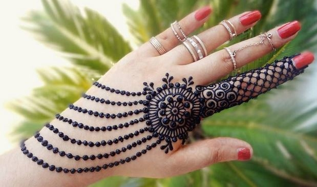 100+ Latest Mehndi Designs For Hands [Updated 2018] Visit: http://bit.ly/Mehndi-Designs-For-Hands -- -- -- #mehndi #mehndidesign #mehndiart #mehndiartist #mehnditattoo #mehndinight #mehndibride #mehndiparty #mehndidesigns #mehndidesigner #mehndihenna #mehndilove #mehndidress #mehndipro #mehndistain #mehndicandles #mehndimakeup #mehndiinspire #mehndiadiktt #mehndioutfits #mehndifavours #beats #mehndijewellery #weekend #tillthursday #comedy #musicbeats #queen #ropo-love #moonwalking #gajab #bae #wow #filmykeeda #news #gabru #laughingoutloud #photography #mood #bollywood #bollywoodgossip #haha #funny #glitter #music  #ootd #hrithikdancing #love #jhakkas #goodmorning #hahatv #heart
