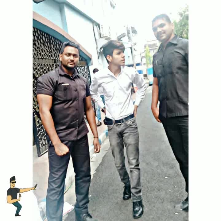 When bodyguard's make you feel safe #bodyguards #formals #clothes #fashioninspiration #be-fashionable #Ark❤ #iamrashidk #roposo #roposo-style #styles #actor #actorslife #acting #film #bollywood #hrithikdancing