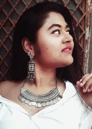https://thatcutie.blogspot.in/2018/03/when-art-meets-fashion.html?m=1     chevk it out  #delhifashionblogger #earrings #necklace #boho #piercing #ethnic #indian