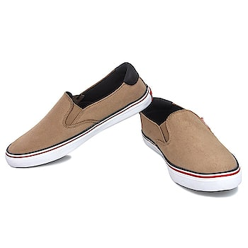 #LeeParke Men Brown Casual Canvas Sneakers .Make yourself comfortable and stylish with these pair of shoes. Flexible and hard wearing, the sole is crafted using PVC which will keep your feet comfortable all day long. https://www.amazon.in/dp/B07BFXL7TH #MenShoes #Menscanvasshoes #Canvassneakers #fashionshoes #menswear