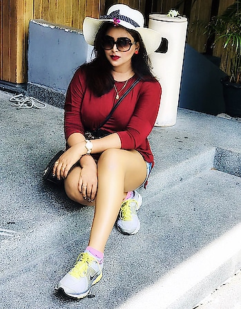 Never let the things you want make you forget the things you have......Always be thankful for what you have nw...... #Happyweekend 😀😀 . . . . .  #theeverygirl #instaoutfit #comfystyle #weekendoutfit #thestreetograph #outfitdiary #streetstyleluxe #streetstyled #ootdblogger #whatamiwearing #realoutfitgram #stylehunter #outfitpic #outfitinspo #mybeautifulmess #pursuewhatislovely #mumbaiblogger #indianfashionblog #indianfashionblogger #indianblogger #fblogger #fashionista #styleblogger #fashionblogger #ootddaily #instadaily #likes #follow4follow