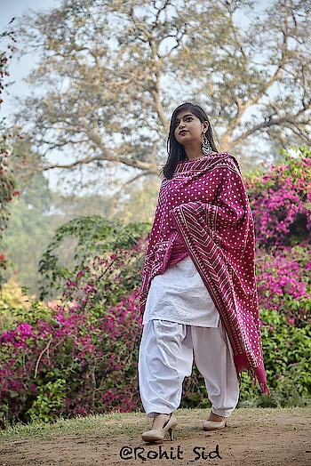 UNNATI SILKS is a saga of 'HANDLOOMS FOR WOMEN' that began in 1980. And from their vast collection of ethnic wears I received a traditional Magenta colored Dabu Printed Dupatta.  Read more about Unnati Silks and Dabu Prints on my Blog. Head straight to the link and let me know your views. Love You guys!!  http://beingclassywithtanya.blogspot.in/2018/03/ethnic-love-ft-unnati-silks.html  #tanyaanand #beingclassywithtanya #unnatisilks #fashion #silk #dabu #dabuprint #dupatta #rajasthaniprint #magenta #fashionindia #fashionBlogger #blogger #indianfashion #indianblogger #indianfashionblogger #bloggersofindia #handloom #iwearhandloom #handwoven #handcrafted #silks #silkdupatta #fashionbloggersofindia #ethnic #traditional