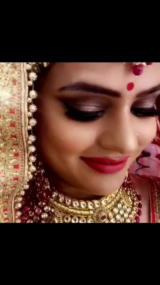 """""""A beautiful smile she carry, guilted in gold seems a perfect bride what every girl dreams to be""""  Words by a makeupartist ,just the right person who knows how beautiful every girl is🌸 #bridalmakeupbysonel #bridalmakeupartist #weddingmakeupartist #sonel_mua @instagram & snapchat #folow4follow #like4like #showsomelove ❤️"""