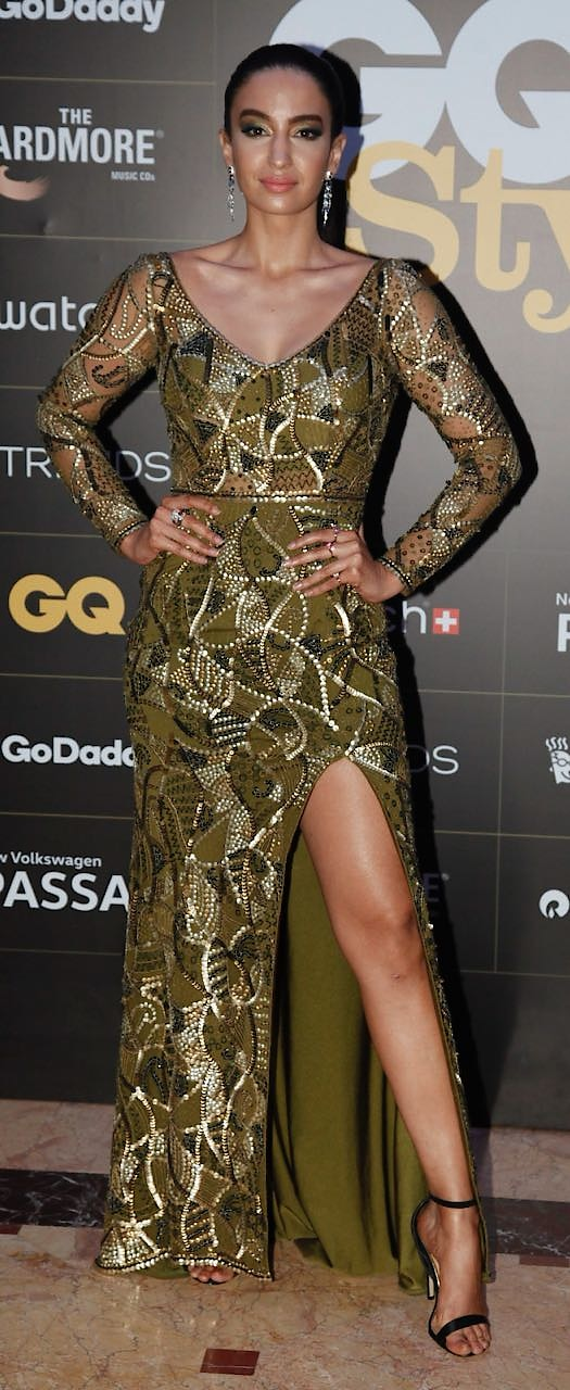 #elenafernandes raising the temperature looking sexy in this olive embellished gown by #zaraumrigar for @gqindia #GQStyle #GQStyleAwards   #DIPublicRelations #Spotted