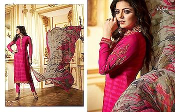 #lt  #nitya #vol 116 #designer #suits  on @looksfab.fashion   #Stylish #wear  #womenclothing #drashtidhami #austrialia #india #indiasuits #salwarkameez #ladieswear #surat #bangalore #sunday #ordernow #whatsapp +918097775536