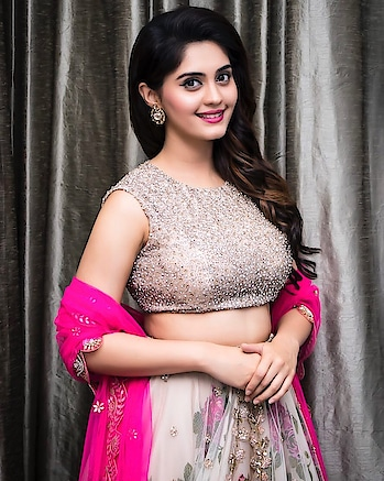 Surbhi Puranik stills at Zee Apsara Awards 2018  in Ashwini Reddy white floral lehenga teamed with a sequence work embroidery crop top, with contrast pink embroidery dupatta. http://www.southindianactress.co.in/telugu-actress/surabhi/surbhi-zee-apsara-awards-2018/  #surbhi #surbhipuranik #surabhi #actresssurabhi  #southindianactress #teluguactress #tollywood #tollywoodactress #indianactress #indiangirl #indianmodel #lehenga #lehengacholi #ashwinireddy #floral #florallehenga #indianfashion #indianstyle #indiandress #fashion #style #styles #weddingwear
