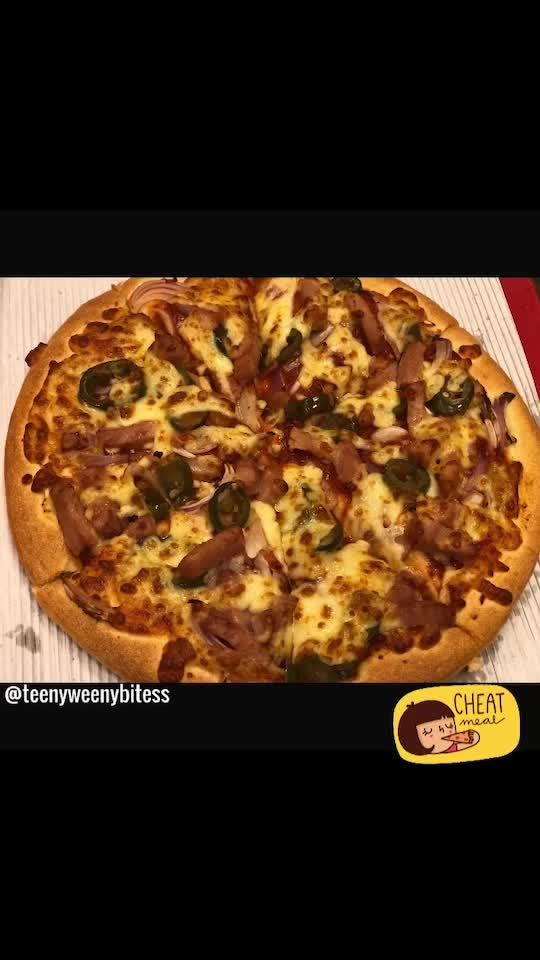 #TeenyWeenyBitess #Pizza #PizzaIsBae #LoveForPizza #Foodie #FoodPics #FoodLovr #cheatmeal