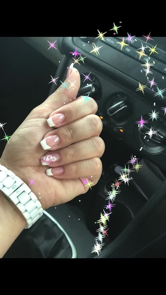 My love for French (nails of course ) is never ending 💅 #frenchnails #3dart #favoriteone #roundnails #so-ro-po-so #latepost #