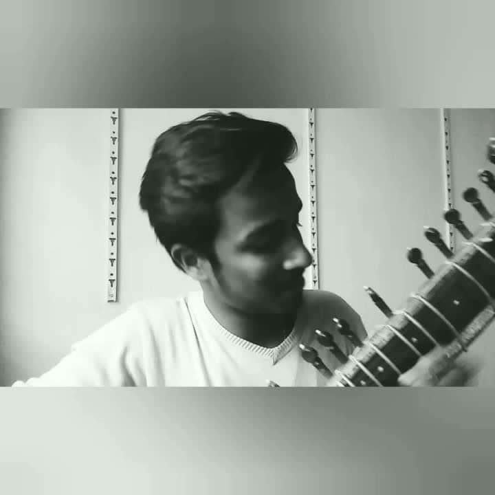 FULL VIDEO ON YOUTUBE AND ITS LINK IN COMMENT ..  Hey guys uploading my second video. This time its something different. I am playing a hollywood song on a Indian classical instrument. Hope you guys like it and hope you all support and love this video like the first one. Thank You for all the support ❤️ #roposo #roposo-style #ropo-love #ropo-good #ropo-style #sitar #music #shapeofyou #followme #likeme #likeforlike #followers #igers #tbt #roposomusic #beatschannel #thankyou #thankyouroposo #love
