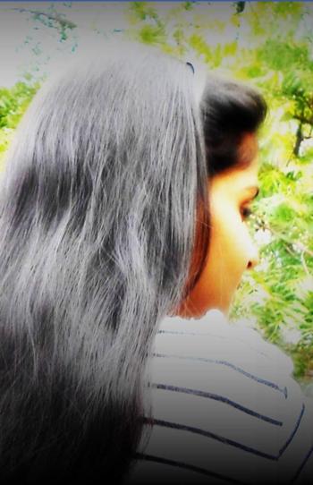Simply innocent girl 😉 #lovegreen #simplicity #ropo-style #blackhair #rops-style #freebird #peaceful #lovenature