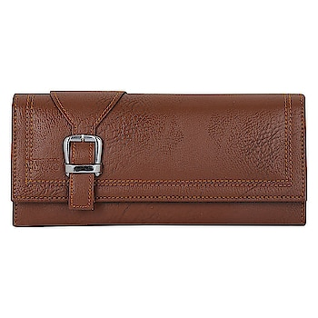Handbags speak louder then words Here are the some trendy handbags from the house of WAAO For the purchasing you can just on the images #purse #handbags #wallet #menwallet #womenpurse #trendypurse #stylishhandbagswomen    Buy now:- https://amzn.to/2HqmaWQ